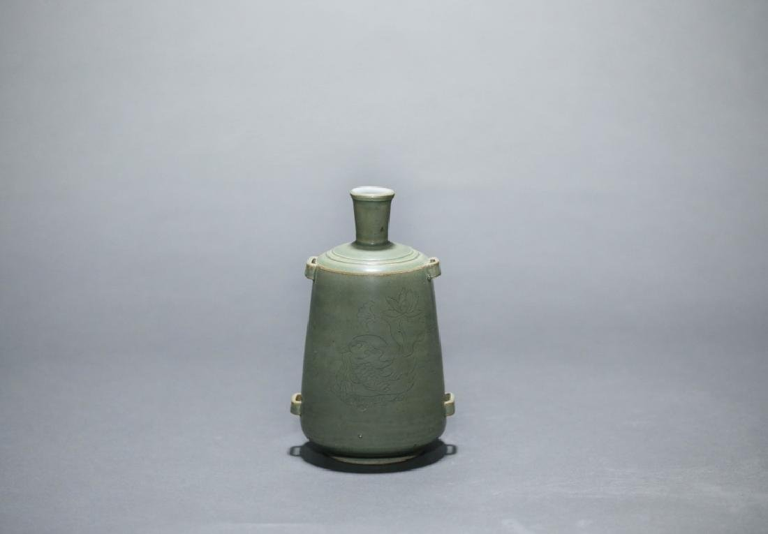 green glazed lotus grain vase - 5