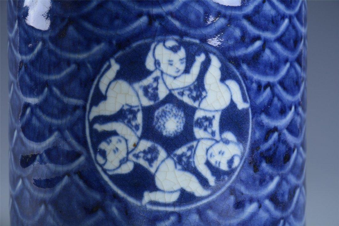 Blue and white boy play hydrangea pen holder - 3