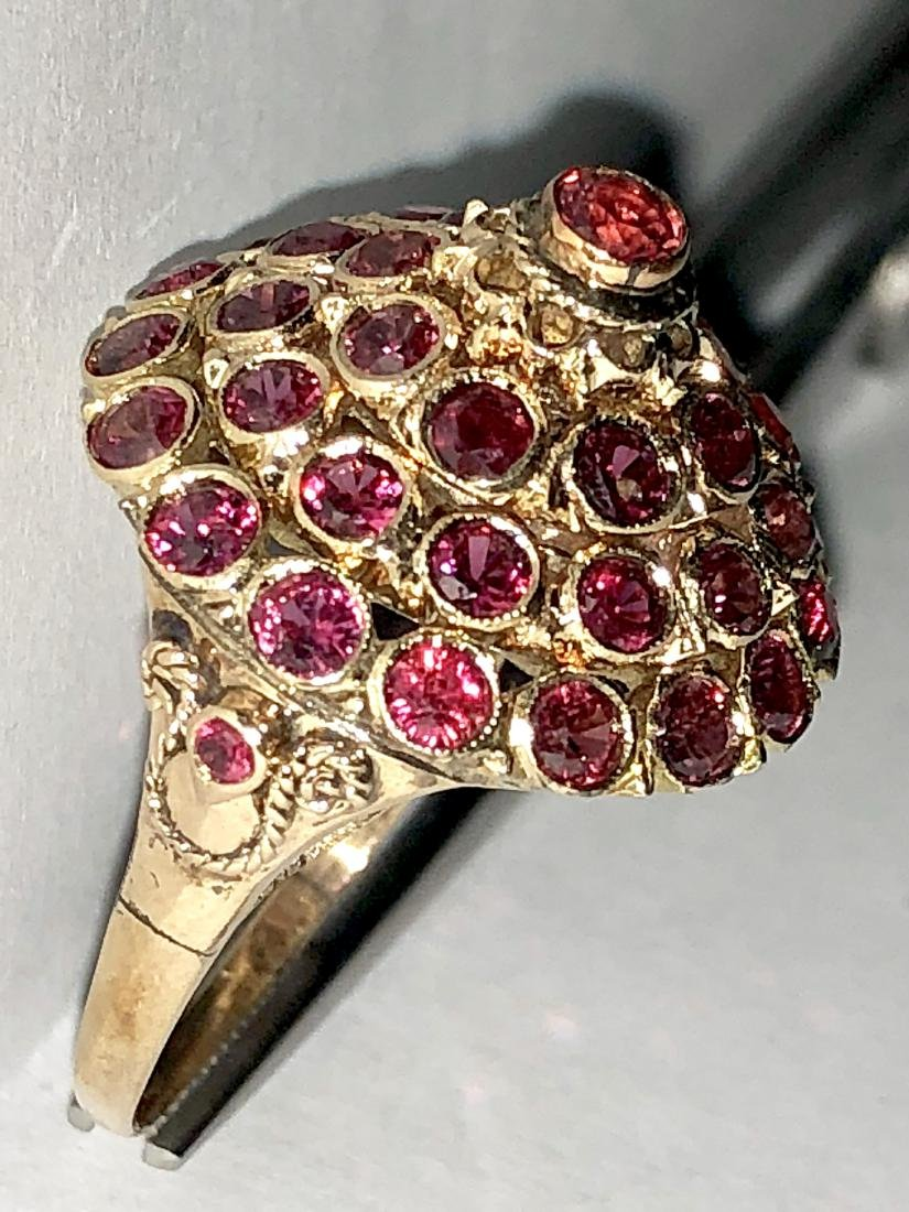 14K gold 3.0 TCW ruby harem ring. - 3