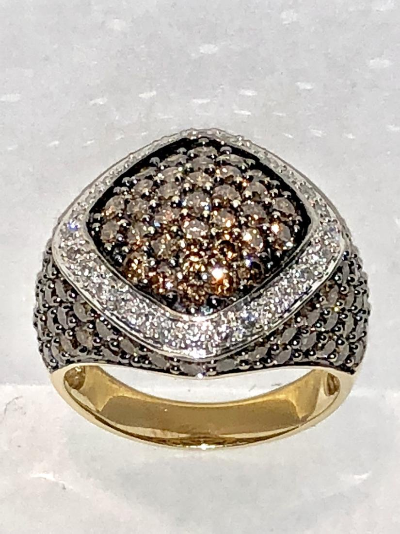 14K gold 4.25 TCW 135 Diamonds VS2, Gdiamonds ring.