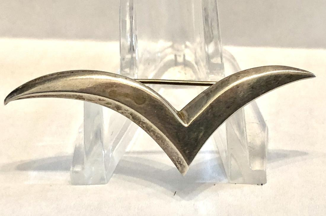 RARE ANTIQUE TIFFANY & CO. STERLING SILVER BROOCH.