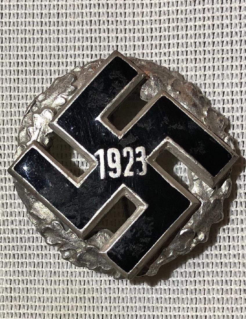DATED 1922 GERMAN NAZI BADGE PIN.