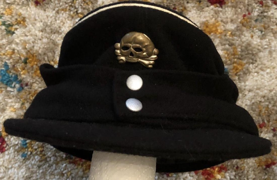 WW2 GERMAN SS PANZER CAP WITH SKULL.