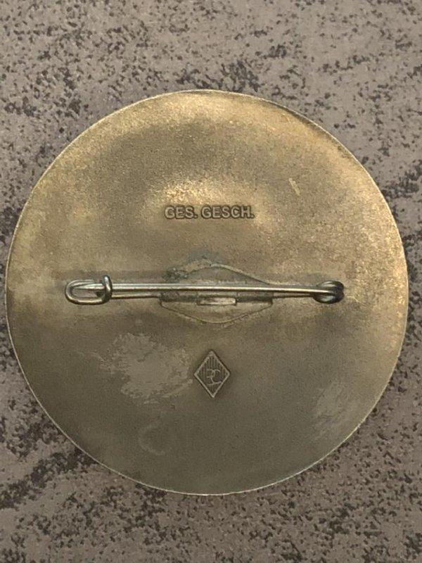 1936 BERLIN OLYMPICS KAMPFRICHTER (JUDGE) RED PIN - 2