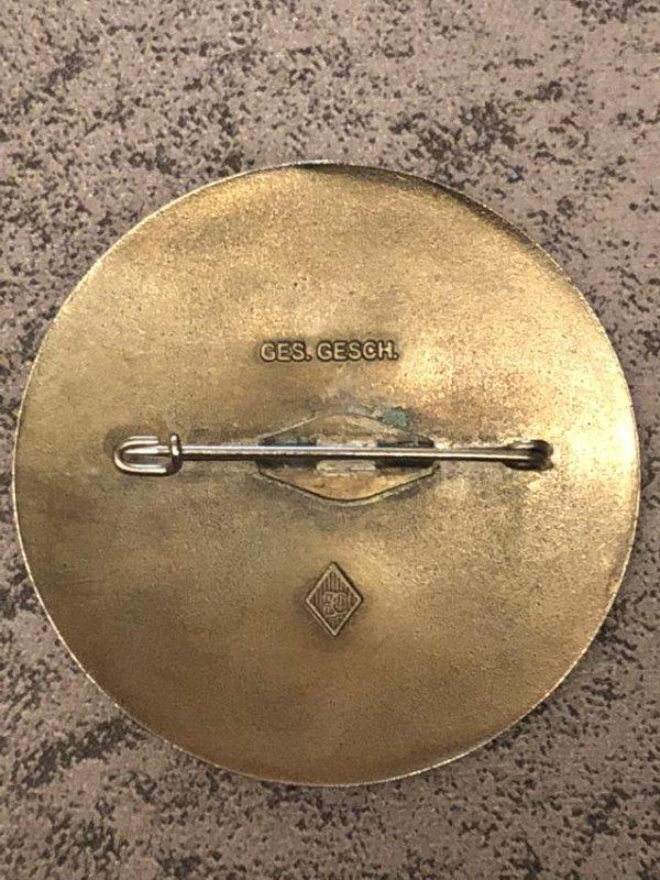 1936 BERLIN OLYMPICS KAMPFRICHTER (JUDGE) YELLOW PIN - 2