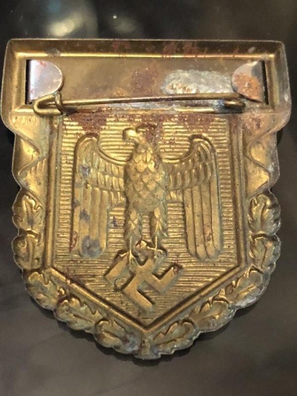 VERY RARE WW2 GERMAN NAZI INFANTERIE SHIELD PIN - 2