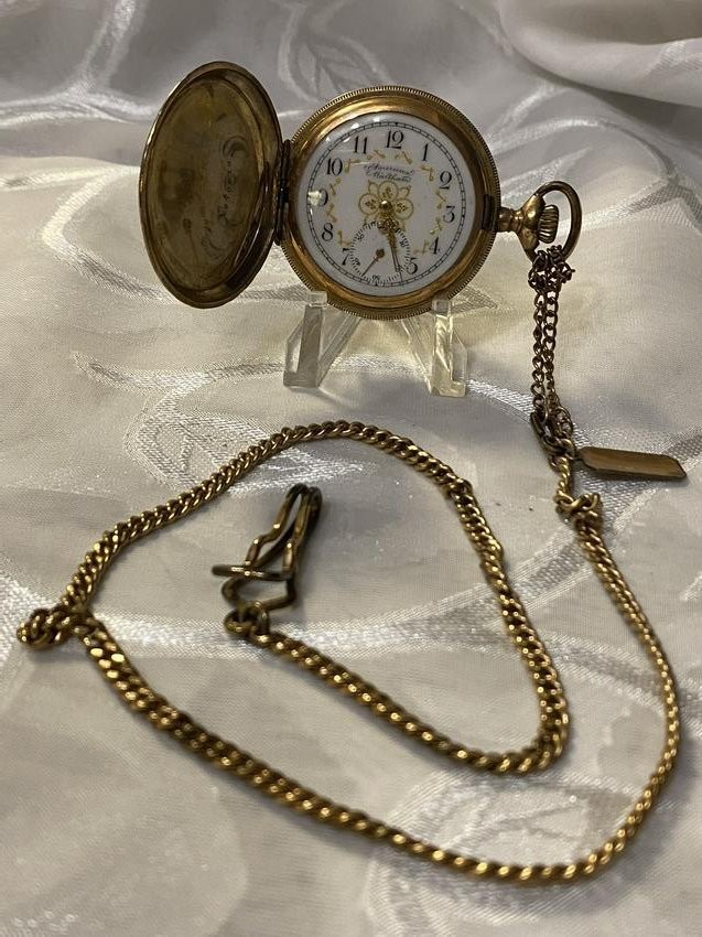 ANTIQUE AMERICAN WALTHAM POCKET WATCH W/FOB