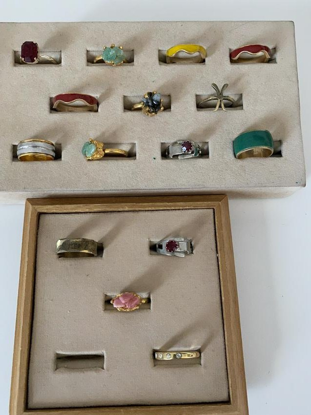 LOT OF (15) STERLING SILVER / GOLD RINGS