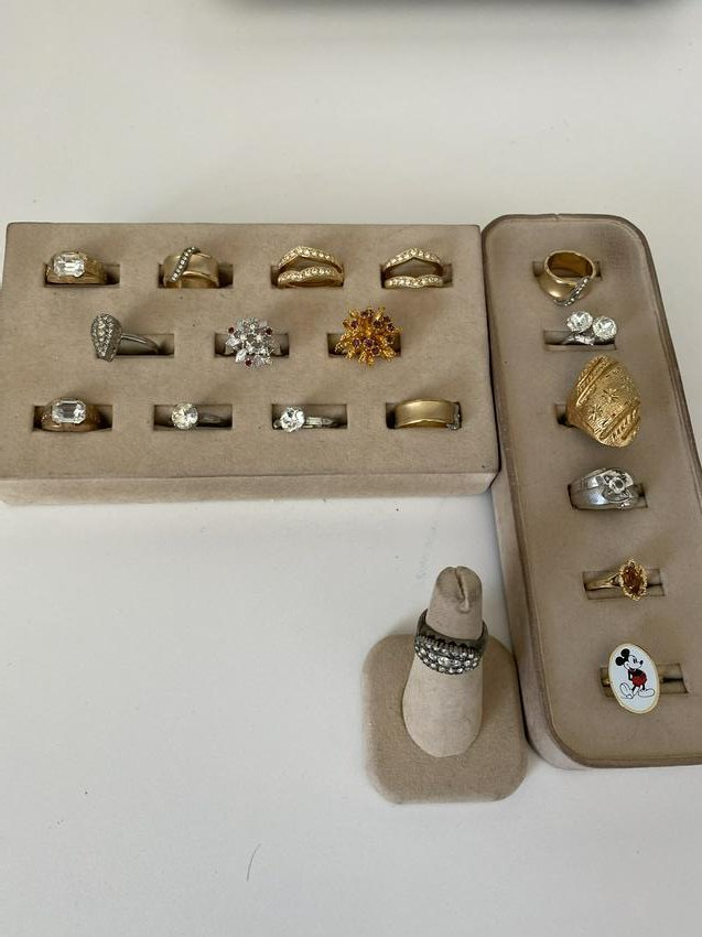 HIGH GRADE LOT OF (18) STERLING SILVER/GOLD RINGS