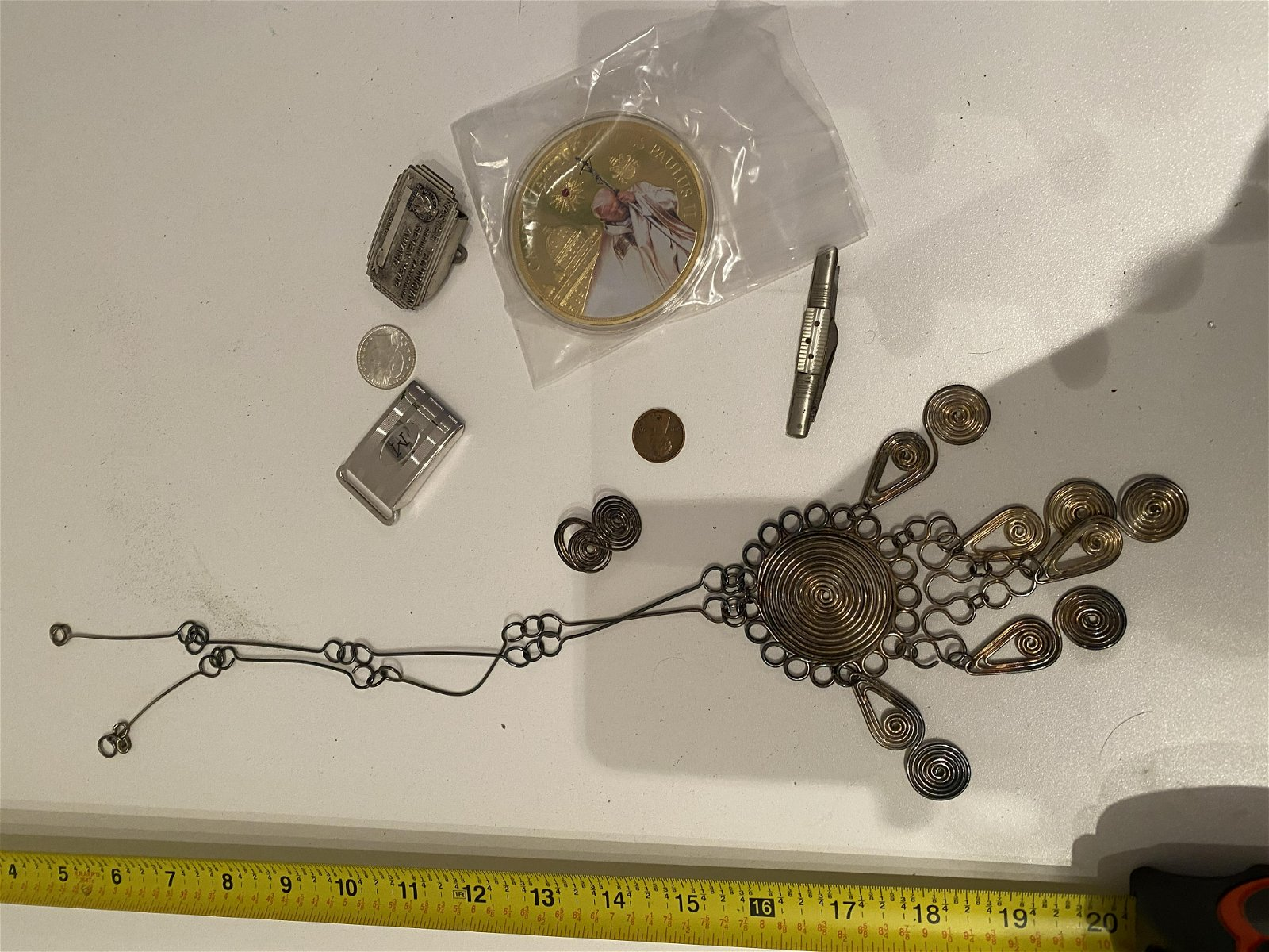 VINTAGE LOT OF COLLECTIBLE ITEMS
