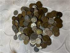 COLLECTIBLE LOT OF U.S. & FOREIGN OLD COINS CURRENCY