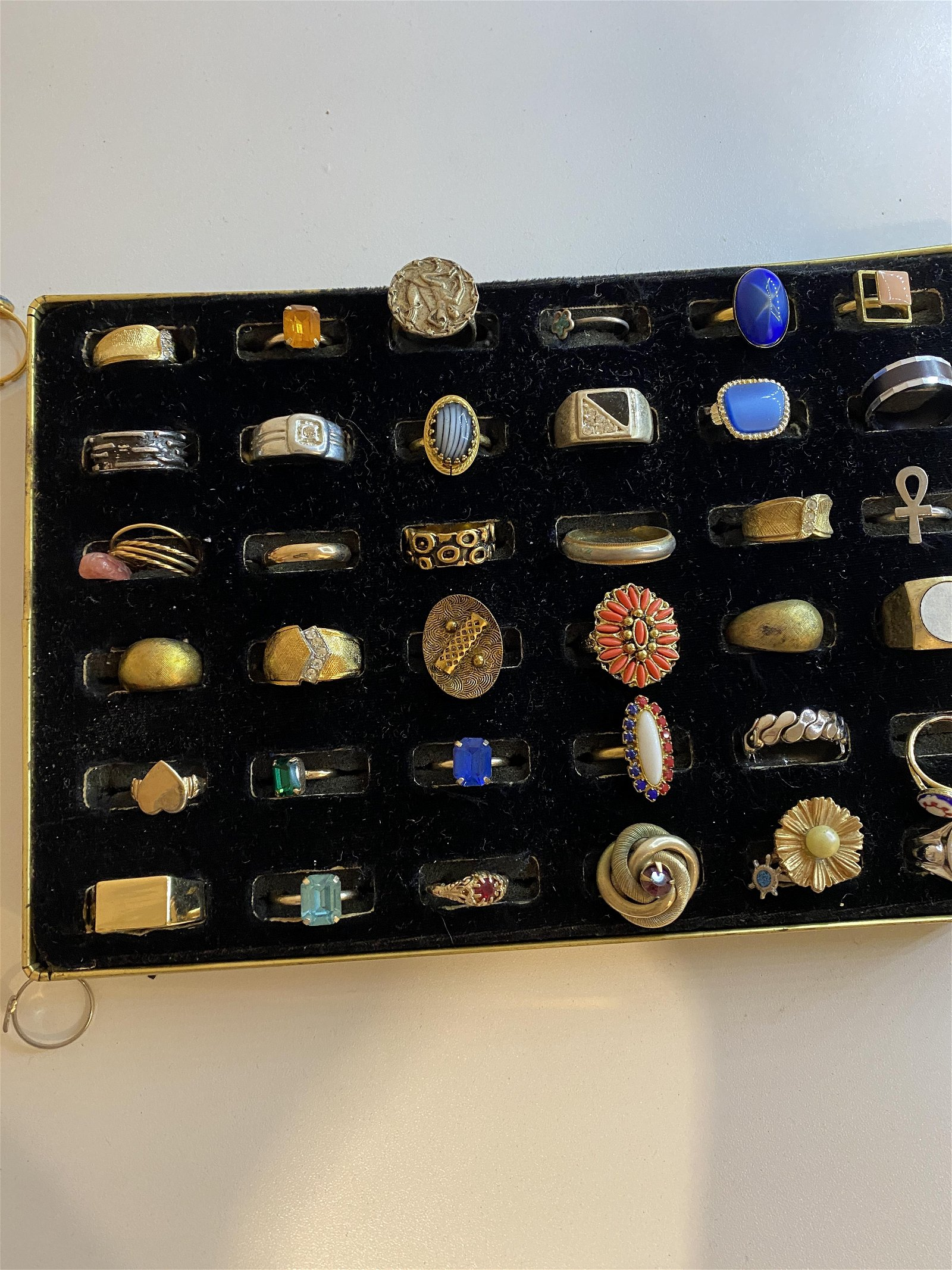 LOT OF (36) SILVER/GOLD RINGS - HIGH GRADE RINGS