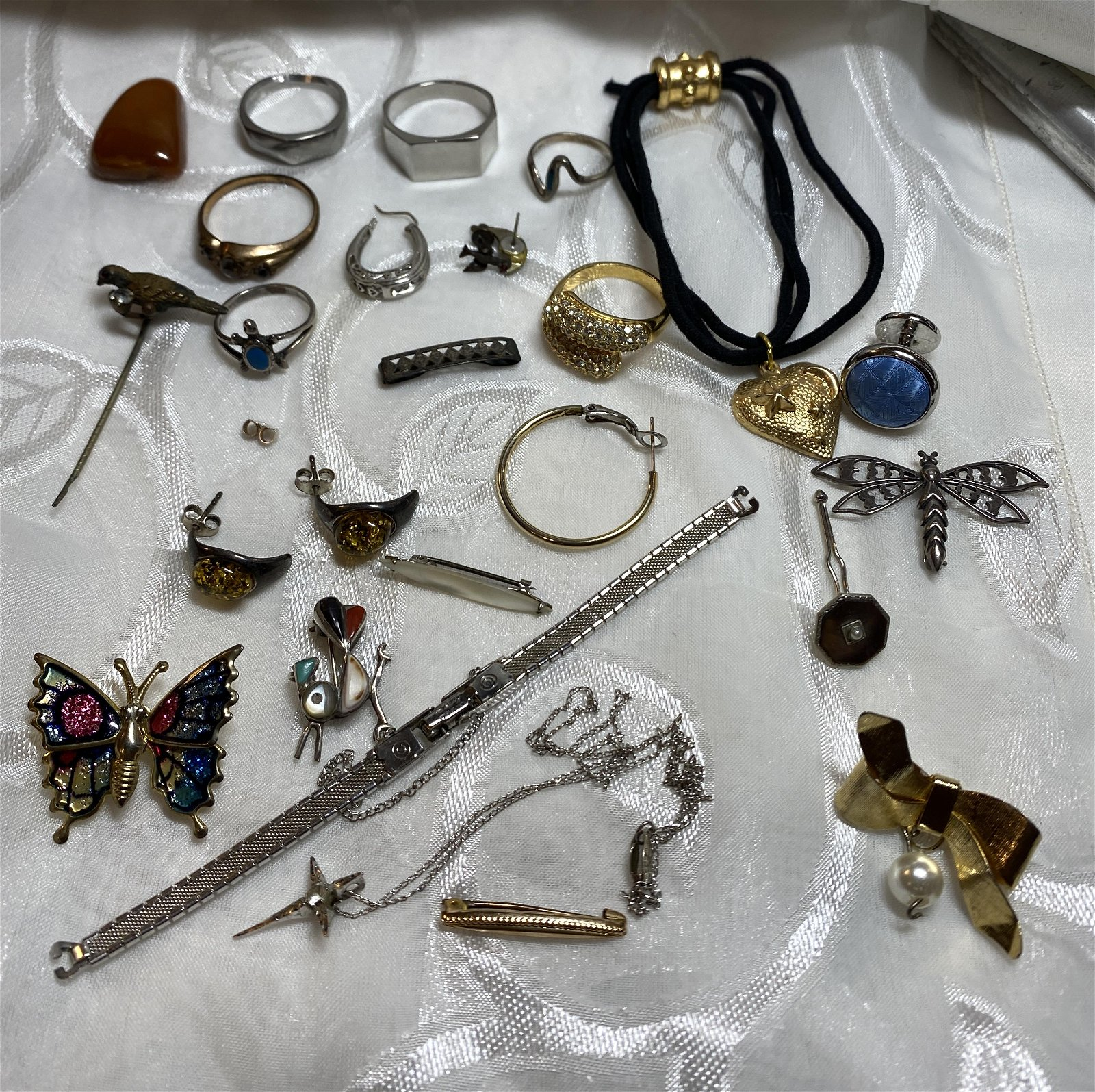HIGH GRADE LOT OF SILVER/GOLD JEWELRY
