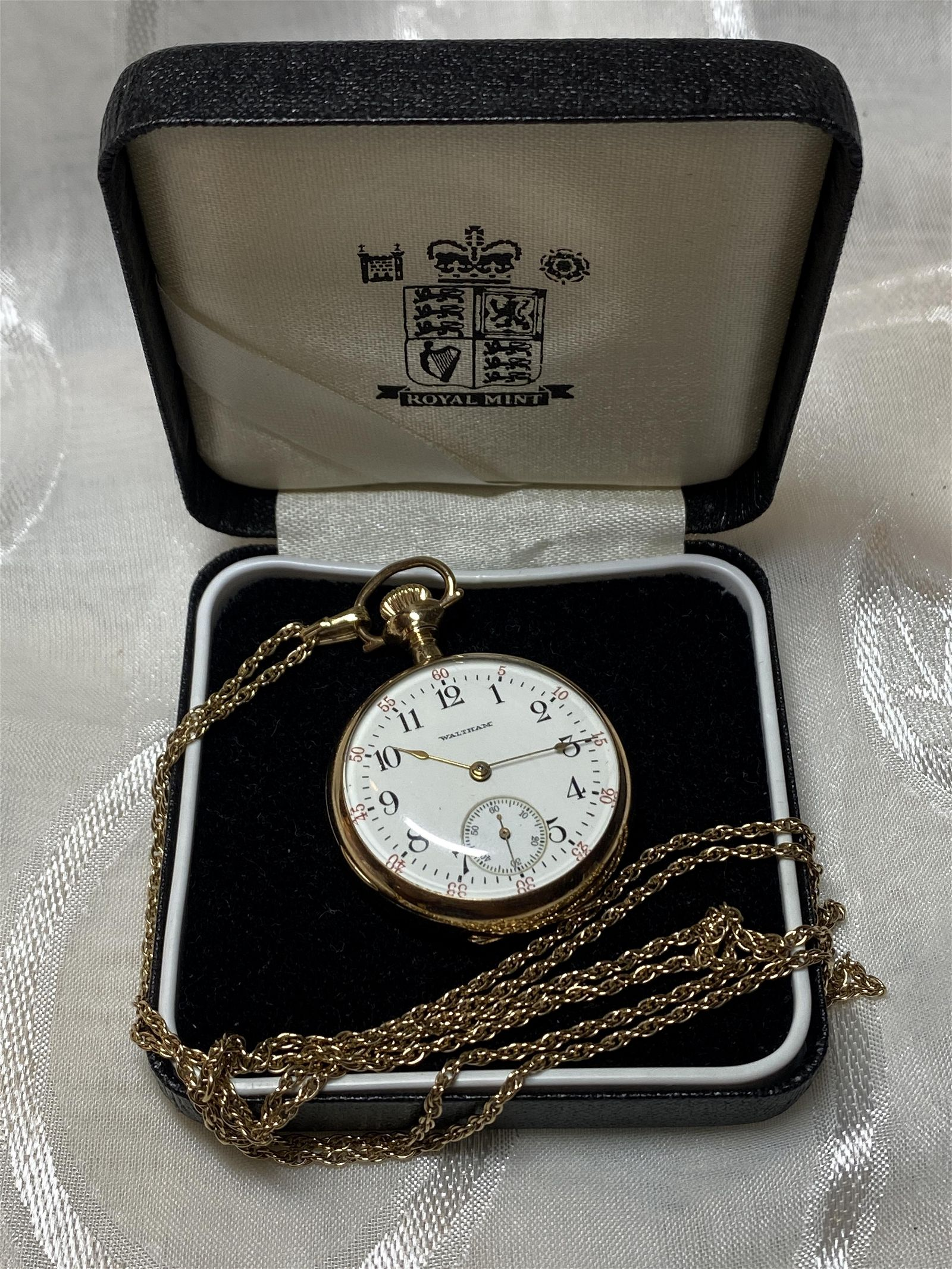 ANTIQUE WALTHAM LADIES POCKET WATCH W/FOB