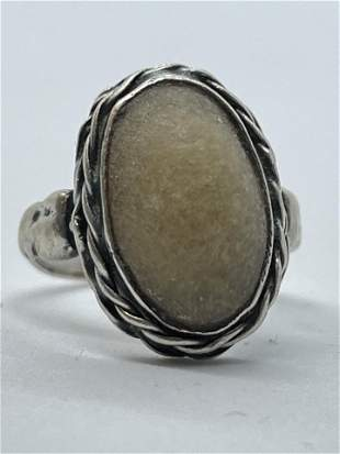 NATIVE AMERICAN STERLING 5 CT YELLOW AGATE RING
