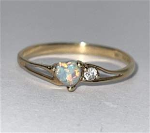 10K GOLD HEART SHAPED OPAL COCKTAIL RING SZ 7