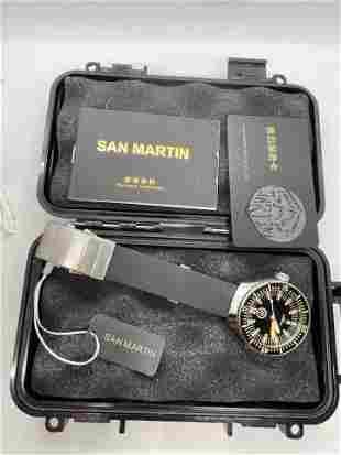 MENS SAN MARTIN 200M DIVERS WRISTWATCH W/BOX &