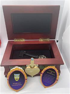DISNEY COLLECTORS WATCH IN ORIG. BOX - THE WITCH