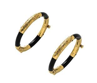 PAIR OF HIGH KT GOLD MOUNTED LACQUER BANGLE BRACELETS