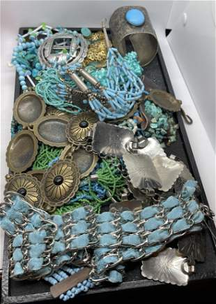 HUGE TRAY LOT OF NATIVE AMERICAN STYLE JEWELRY