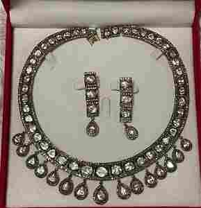 18K GOLD 150 TCW MINE CUT DIAMONDS NECKLACE & EARRINGS