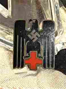 WW2 GERMAN DRK RED CROSS MEMBERSHIP LAPEL PIN W/MAKER