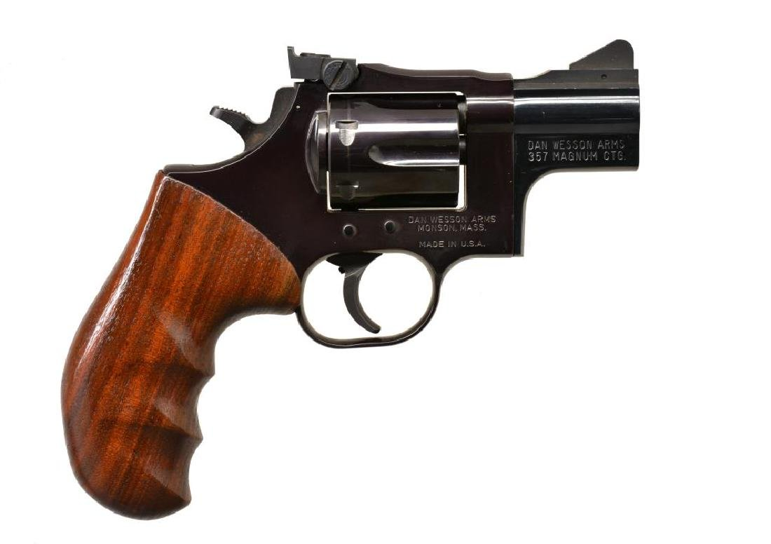 DAN WESSON MODEL 15 REVOLVER.
