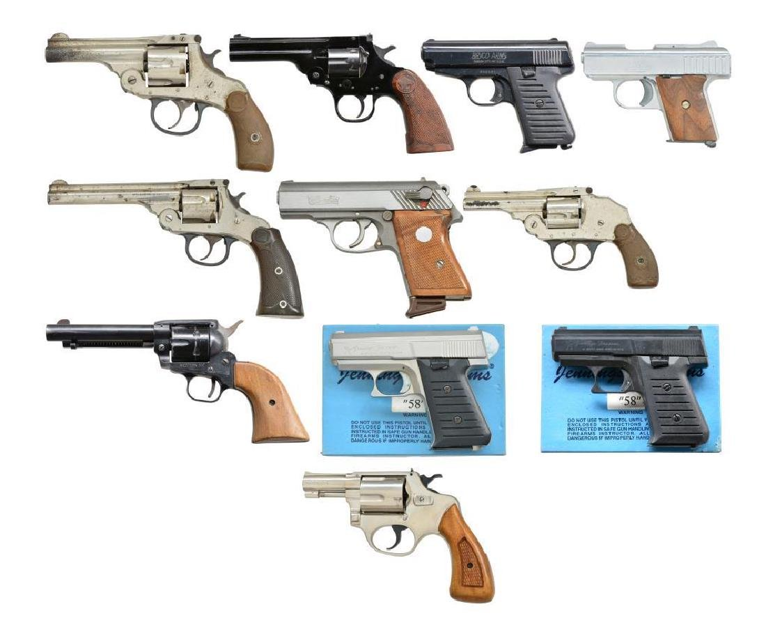 LOT OF 11 HANDGUNS.