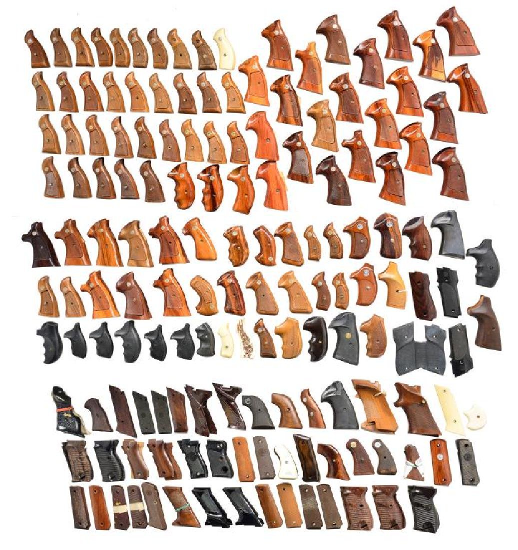 LARGE GROUP OF APPROX. 125 GRIP SETS.
