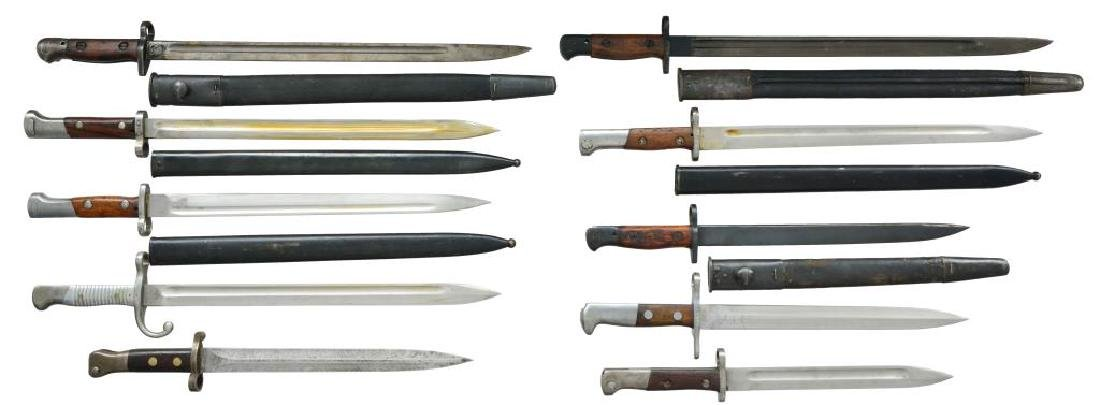35 BAYONETS FROM VARIOUS COUNTRIES & 7 SCABBARDS. - 2
