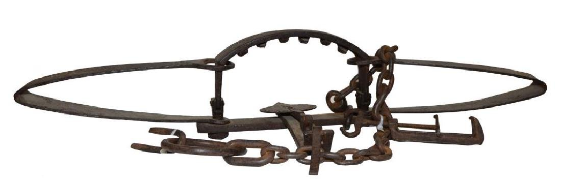 RARE NEWHOUSE NO. 5 BEAR TRAP WITH SETTING CLAMP,