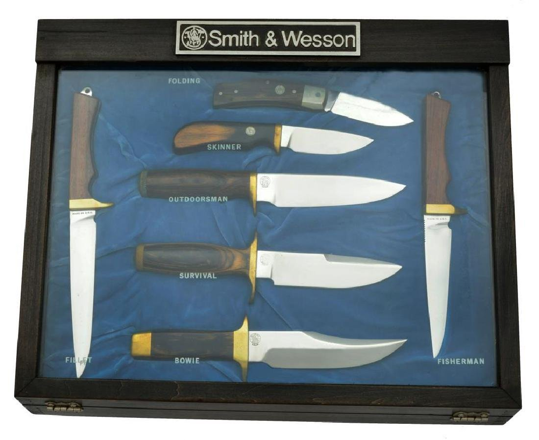 SMITH & WESSON KNIVES DESIGNED BY BLACKIE COLLINS.
