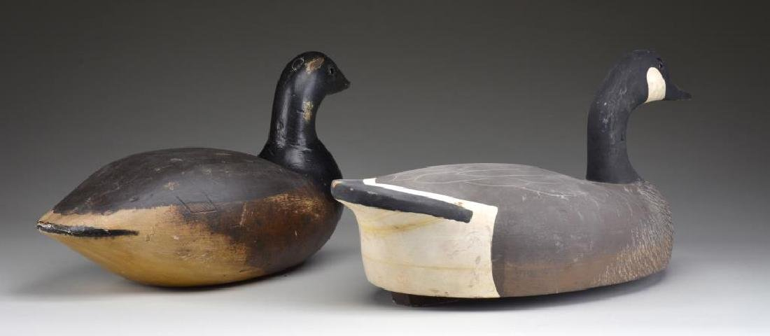 GROUP OF 2 WOODEN DECOYS. - 2