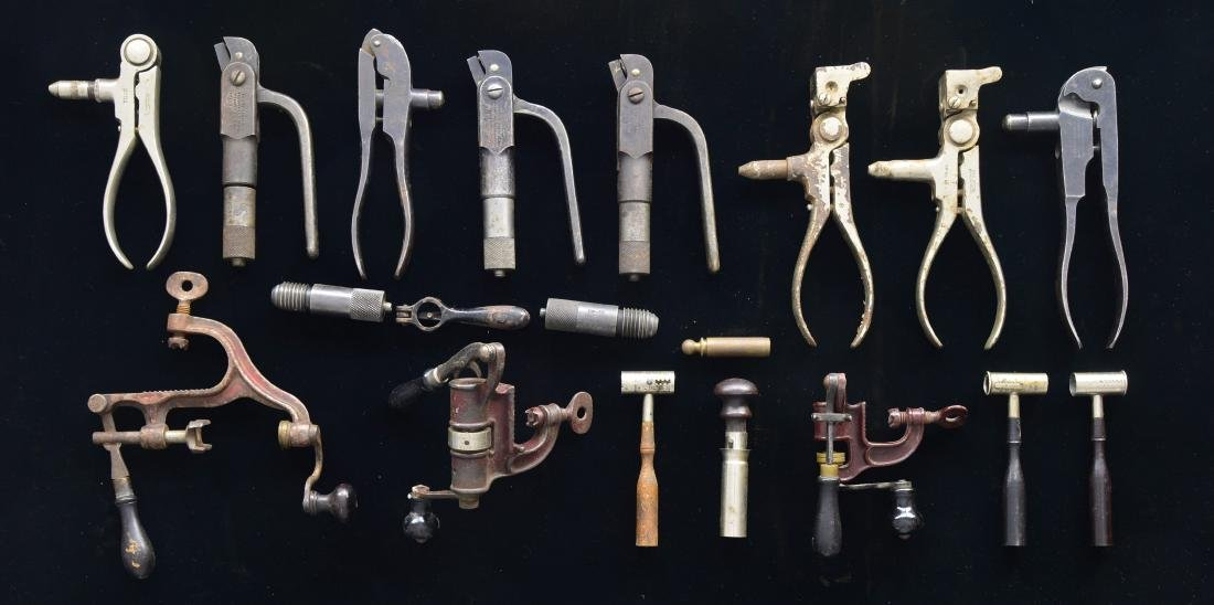 INTERESTING GROUP OF VINTAGE RELOADING TOOLS.
