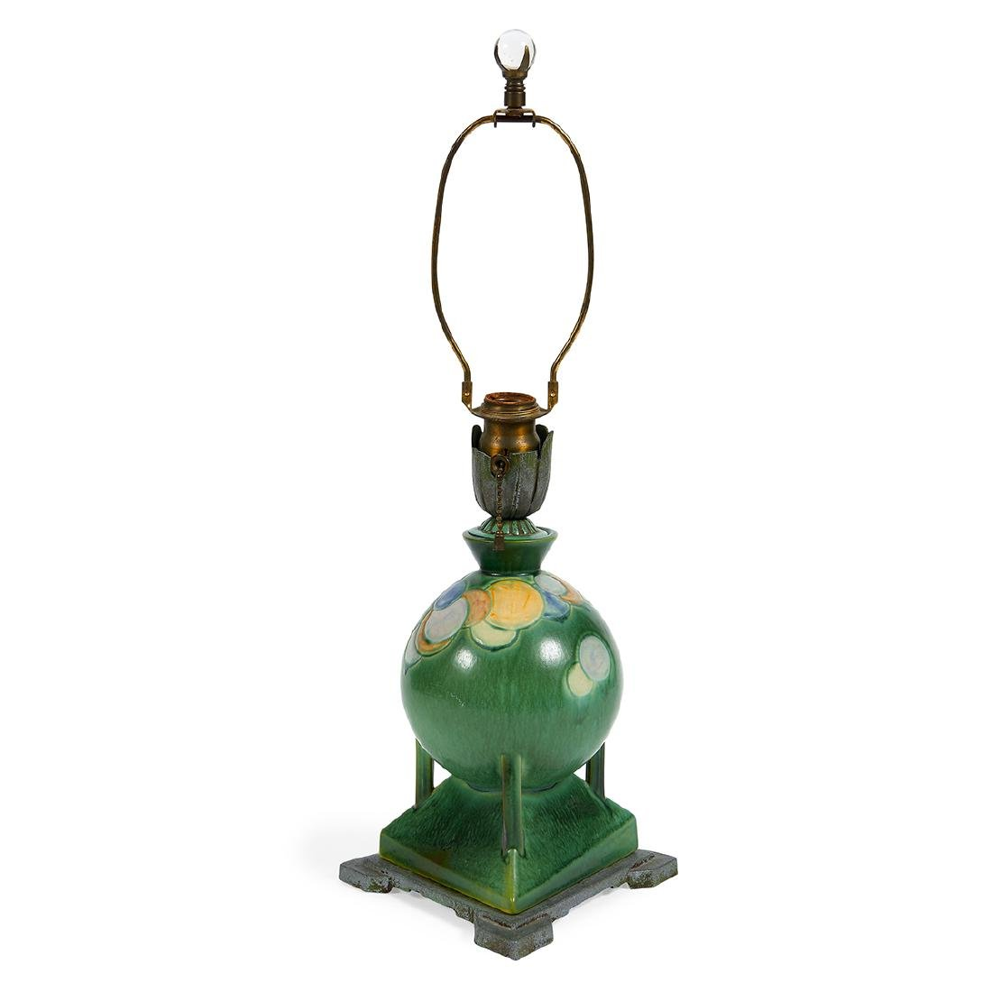 Roseville Pottery Co., Futura Vase Lamp