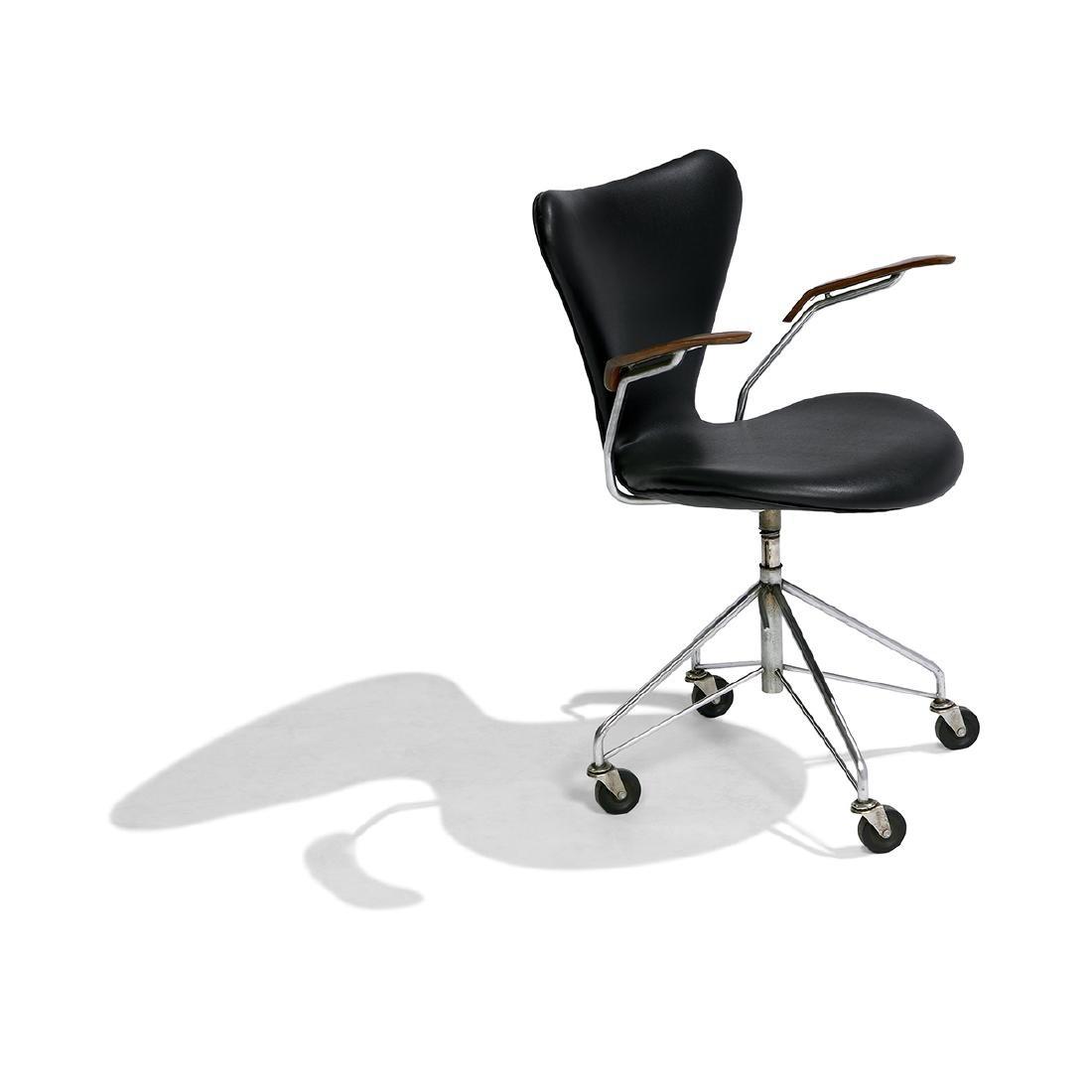 Arne Jacobsen for Fritz Hansen Sevener desk chair