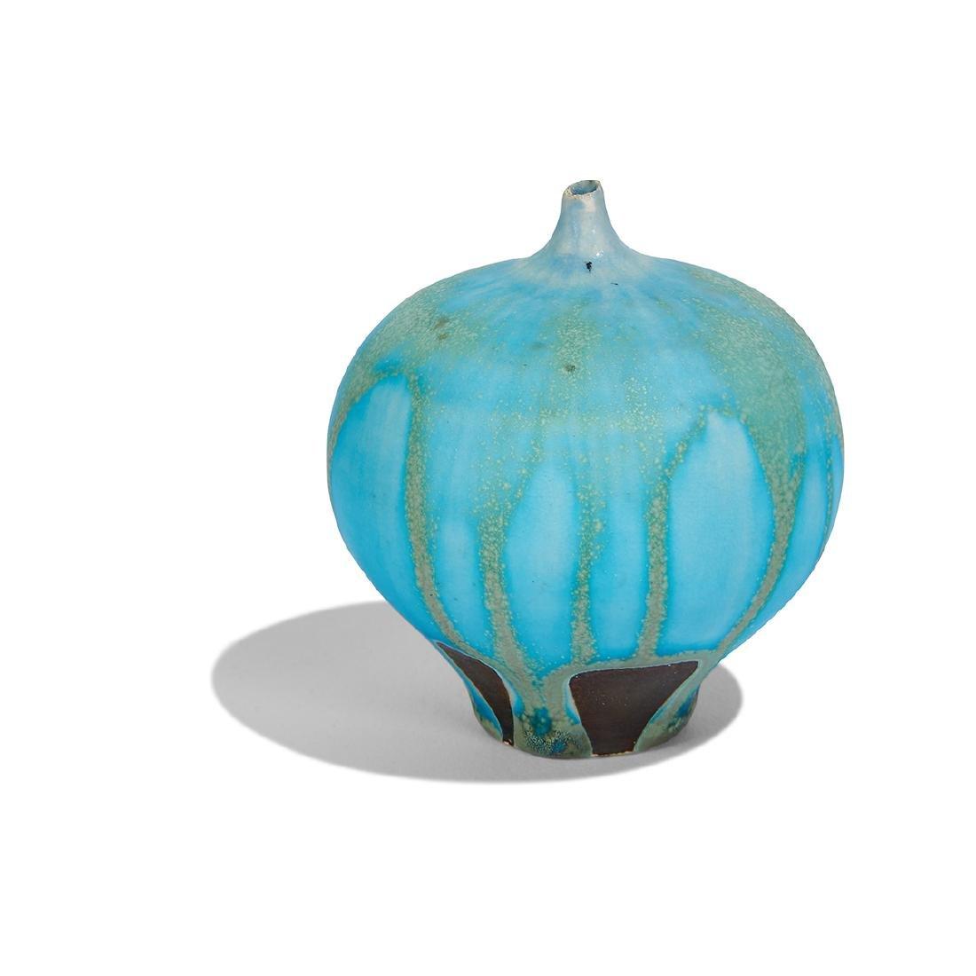 Rose Cabat Feelie vase