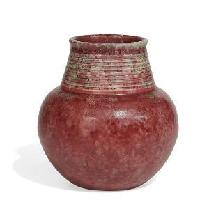 Roseville Pottery Co. earthenware vase