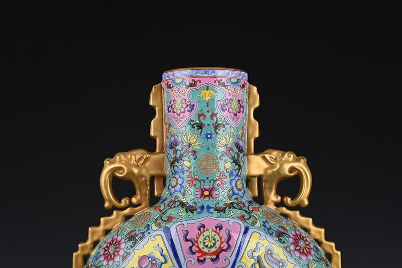 Chinese Qing Dynasty Period Porcelain Vase - 8
