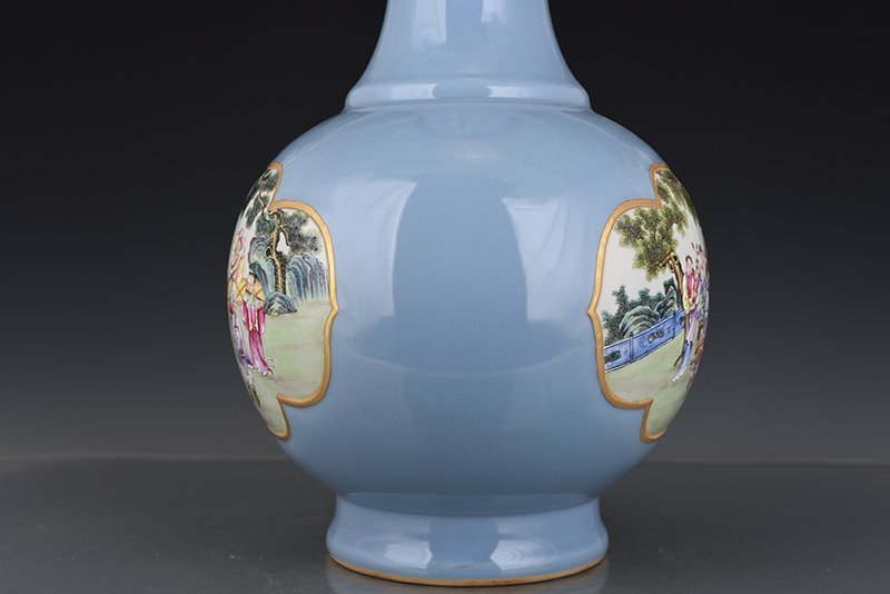 Chinese Qing Dynasty Period Porcelain Vase - 10