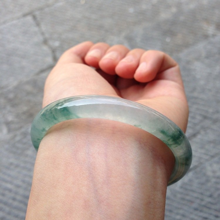 Natural Emerald Jade Bangle - 9