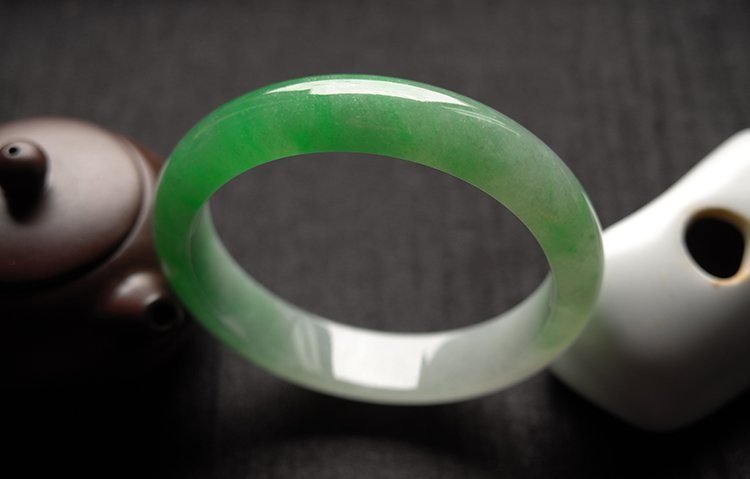 Haute  Natural Jadeite Jade Bangle - 8