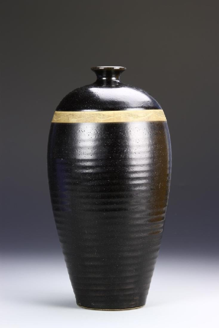 Chinese Black Tingyao Meiping Vase