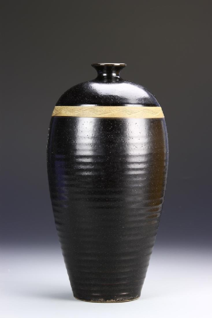 Chinese Black Tingyao Meiping Vase - 2