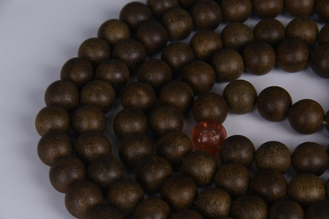 A STRING OF CHENGXIANG WOOD BUDDHA BEADS - 3