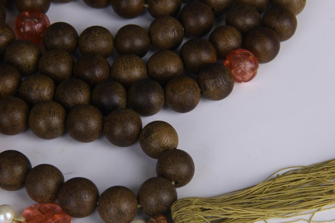 A STRING OF CHENGXIANG WOOD BUDDHA BEADS - 5