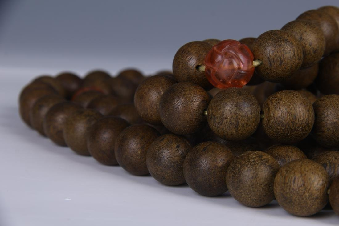 A STRING OF CHENGXIANG WOOD BUDDHA BEADS - 7