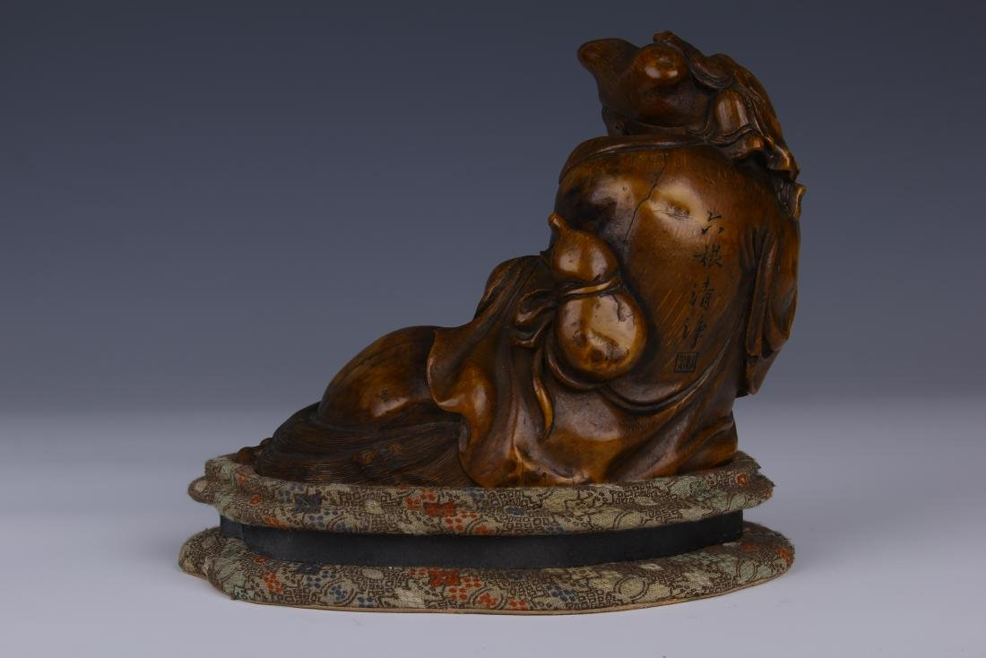 CHINESE CARVED BAMBOO RECUMBENT ARHAT ON STAND - 3