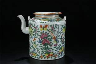 18TH C. FAMILLE ROSE FLORAL PORCELAIN TEA POT