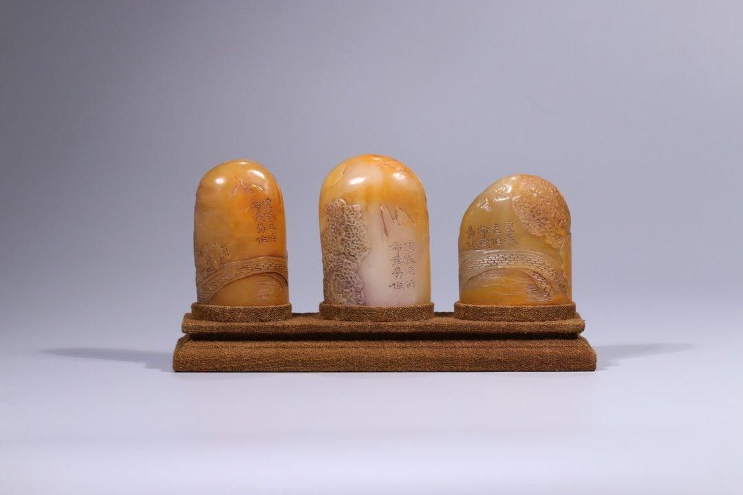 A SET OF SHOUSHAN STONE CARVING SEALS